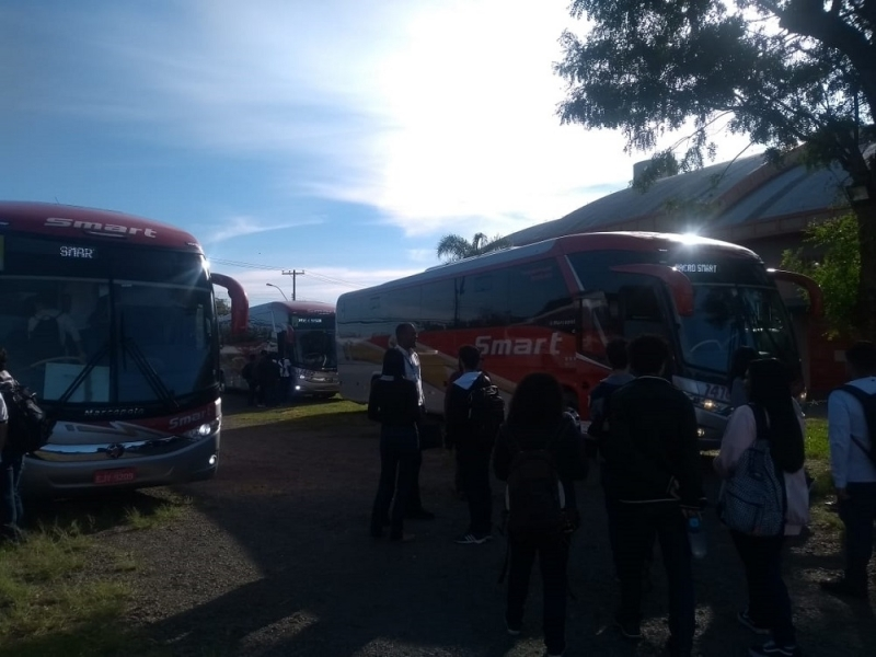 Aluguel de ônibus de Passeio Contratar Santo Antônio de Posse - Aluguel de ônibus para Festa