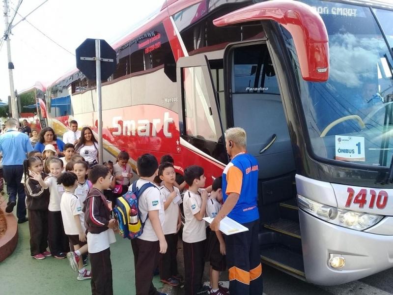 Onde Encontro Aluguel de Micro-ônibus Executivo Pedreira - Aluguel de Micro-ônibus para Evento